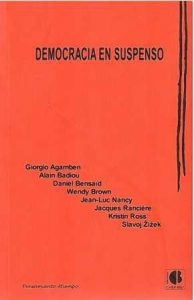 Democracia en suspenso.